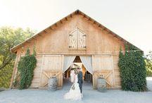 fun barns / by Jaylene Calmenson