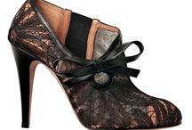 Black lace love affair / Classic Black lace dresses and other vintage lace treasures
