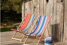 Strandstoelen - beach chairs - deckchairs / Houten strandstoelen, regisseursstoelen en krukjes voor buiten.   Outdoor deck chairs, beach chairs, directors chair, stools