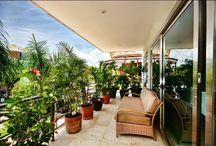 #Luxury #Condo VIA 38 #PlayadelCarmen / En el #prestigiado condo VIA 38, departamento de 2 recamaras, 2 baños, cocina, cuarto de lavado, a/c, FINEMENTE AMUEBLADO, estacionamiento privado subterráneo más bodega, #alberca común con #Jacuzzi y seguridad 24h. ¡¡Elegante!! Superficie de 145 m2 + 30 m2 de terraza.  Playa Realtors -4U #RealEstate #PlayadelCarmen #BienesRaíces PlayadelCarmen