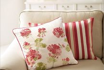 """Beautiful  HOME  Accents 2 / """"stunning"""" lamps, doorknobs, throws, pillows ........."""