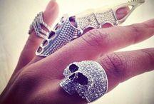 The Spirit of Skulls / Skull inspired fashion, design and lifestyle.