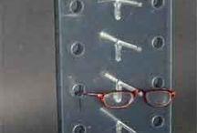 Espositori in plexiglas per occhiali / Produzione e vendita supporti promozionali in materiale plastico per negozi di ottica http://www.manfredini-gp.it