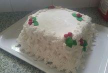Christmas snowflake cake