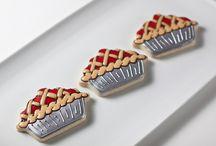 Cookies - Food & Drinks / by Tara Breitner Lethbridge