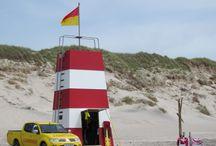 Hvide Sande / Hvide Sande - am Holmsland Klit gelegen - ist eine der beliebtesten Ferienregionen Dänemarks. Ein Ausflug nach Hvide Sande mit seinem Hafen und den zahlreichen Fischgeschäften ist immer zu empfehlen. Auch das DanWest Büro ist direkt südlich von Hvide Sande zu finden.