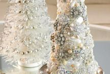 Christmas Glamour / It's the most wonderful time of the year!  This is a group board for anyone who is excited by the glitter and sparkles of #Christmas.  Please make ensure your pins are aesthetically pleasing and very glamorous + feel free to use the hashtag #christmasglam.  Comment or message house + weber to be invited.  It's beginning to look a lot like Christmas...