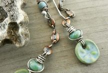 Earrings Everyday / Earrings Everyday hopes to inspire those who make earrings and adorn those who love to wear them!