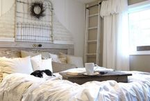 bedrooms I love / by Jaime Roberts