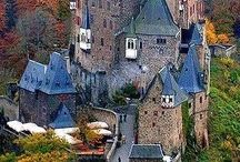 Castles of the World / Magical Beauty and Charm