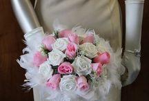 Nouveautés Bouquets Mariage 2015 / Bouquets ronds pour votre mariage 2014: différents thèmes et couleurs de bouquets de la mariée http://bouquet-de-la-mariee.com/new-products.php Roses, orchidées, perles, diamants, rotin, fleurs
