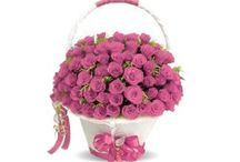 Buy Pink Flower Basket Online and Send it to India / FlowerCakesOnline.com provides online flower bunches, flowers bouquets with different types of varieties for any occasions such as anniversaries and birthday, you can order online flowers bunches and sends flowers to India with a personal message.