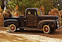 Old pick up trucks / by susan beatty