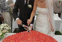 Dream wedding ideas / by Madison Aycock