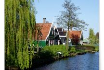 Dreaming Dutch Design / Dutch designs, old or new, architecture or landscapes captures in photos.