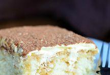 Tiramisu poke cake / Cakes