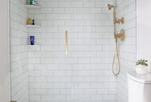 Walk In Shower / Walk-in showers have become a symbol of modern bathrooms. But having a walk-in shower comes with both advantages and disadvantages. Some say that sometimes the design can compromise the functionality. Let's see whether or not that's true.