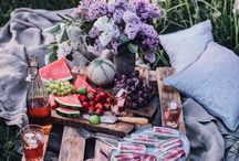 SUMMER | / summer styling inspiration •  summer cakes photography • ingredients photography • summer rustic cakes • individual cakes • picnic styling • cupcakes | recipes inspiration to be made vegan