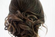 Fryzury Ślubne roku 2015 / Styl vintage króluje nadal, we fryzurach ślubnych dla Panien młodych również. Artystyczny nieład to hit tego sezony!