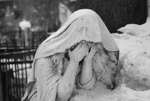 Statues, wrinkles, folds