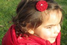 Acessórios para cabelo de menina (Girl Hair Accessory) / Flor feita em crochet para cabelo de menina.