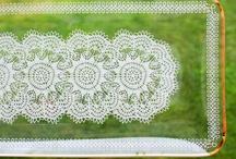 White lace pattern schalen