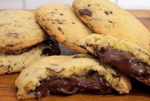 Μπισκότα Cookies με σταγόνες σοκολάτας και νουτελα. ΑΠΛΑ ΤΑ ΥΛΙΚΑ Χ2.    Αυτά κανω ειναι τέλεια