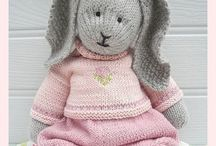 Knitted toys / by Anna Maria Bunia