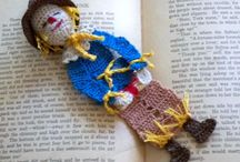 Fun bookmark patterns / Fun crochet reading character bookmark patterns from http://www.craftsy.com/user/pattern/store/26536