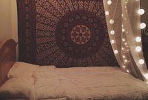 Baldachin Beds