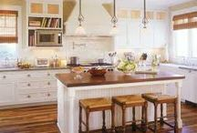 Interior Home Design  / Would love an island in my cottage's kitchen..
