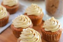 Healthy Cupcakes & Muffins / Collection of #Healthy clean-eating cupcakes and healthy muffins recipes. Most are gluten free, dairy free, #Paleo, vegan, refined sugar free, low sugar, low fat, no butter/oil etc.