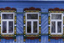 Finestre dal mondo / Un viaggio tra i continenti e attraverso le #stagioni che va oltre l'architettura. Perché la finestra, come una cornice fotografica, delimita il nostro sguardo sull'esterno e influenza il nostro punto di vista.