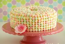 cakes & cupcakes to try / by Beth Ferland