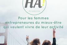 Happy Académie / L'Happy Académie est un programme en ligne pour les femmes entrepreneures du mieux-être qui veulent vivre de leur activité. Mon talent : mettre en lumière le vôtre, afin que vous puissiez continuer d'avoir un impact positif dans le monde.
