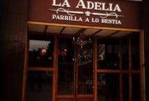 La Adelia / Antiguo galpón taller reformado para hacer una parrilla recreando el ambiente chacarero