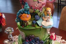 Cool Cakes / by Teresa Cordova