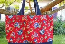 "Tote bags - sacs cabas / Sacs disponibles chez ""Les sacs de génie"" http://sacsdegenie.eklablog.fr"
