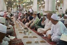 Umrah in Ramadan / Performing Umrah during Ramadan not only guarantees a Muslim spiritual and mental relief but also promises great rewards.