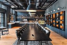Negócios   Inspiração / Sofisticação e beleza são adicionados ao ambiente de trabalho quando o piso de madeira é utilizado.  Além de compor a decoração sendo um coringa para o conjunto da obra, o piso de madeira é versátil e de manutenção simples, quando utilizados os produtos Bona.   Siga nosso instagram @bonabrasil