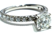 Engagement Diamond Rings / Great selection of diamond rings at the best price.