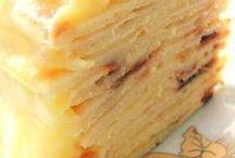 Слоеный торт с творогом