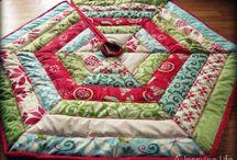 Christmas quilt ideas / Tree skirt