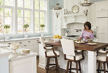 Kitchens / by Leslie Hall