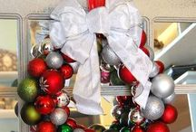 Christmas arrangements, mantels & wreaths