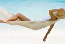 Beach Hammocks / How many different hammocks on the beach can we find?