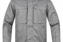 ZIMA 2014 Pánské sportovní oblečení LOAP / Pánské oblečení LOAP sleduje módní trendy v oblasti pánské módy - softshellové bundy a kalhoty, fleecové mikiny, funkční prádlo, pohodlná trička i kalhoty. Na podzim sortiment doplňujeme o podzimní a zimní bundy, lyžařské kalhoty a další kousky teplejšího oblečení. Na jaře si zase můžete vyzkoušet naše kraťasy a šortky.