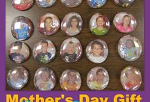 Mother/Father's day crafts / by Kari Therrien