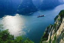 Yangtze River in Spring / Spring is the peak season for Yangtze River Cruise, also the season of colorful landscape. Check your cruise ships and go! http://www.yangtze-river-cruises.com/ships.html