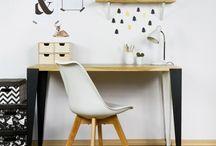 Schreibtische / Desks
